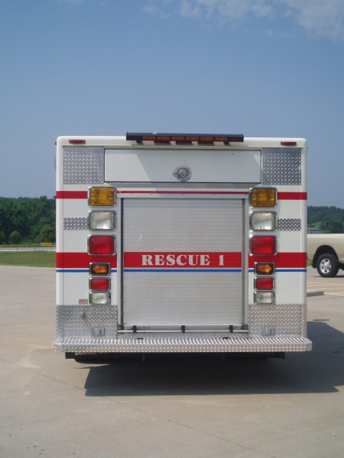 1997 Ford F800 Walk-Around Rescue