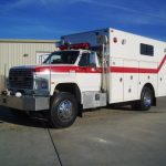1991 Ford F-800 4-Guys Walk-In Rescue