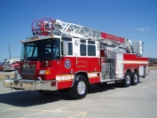 2003 Pierce Quantum 75' Ladder