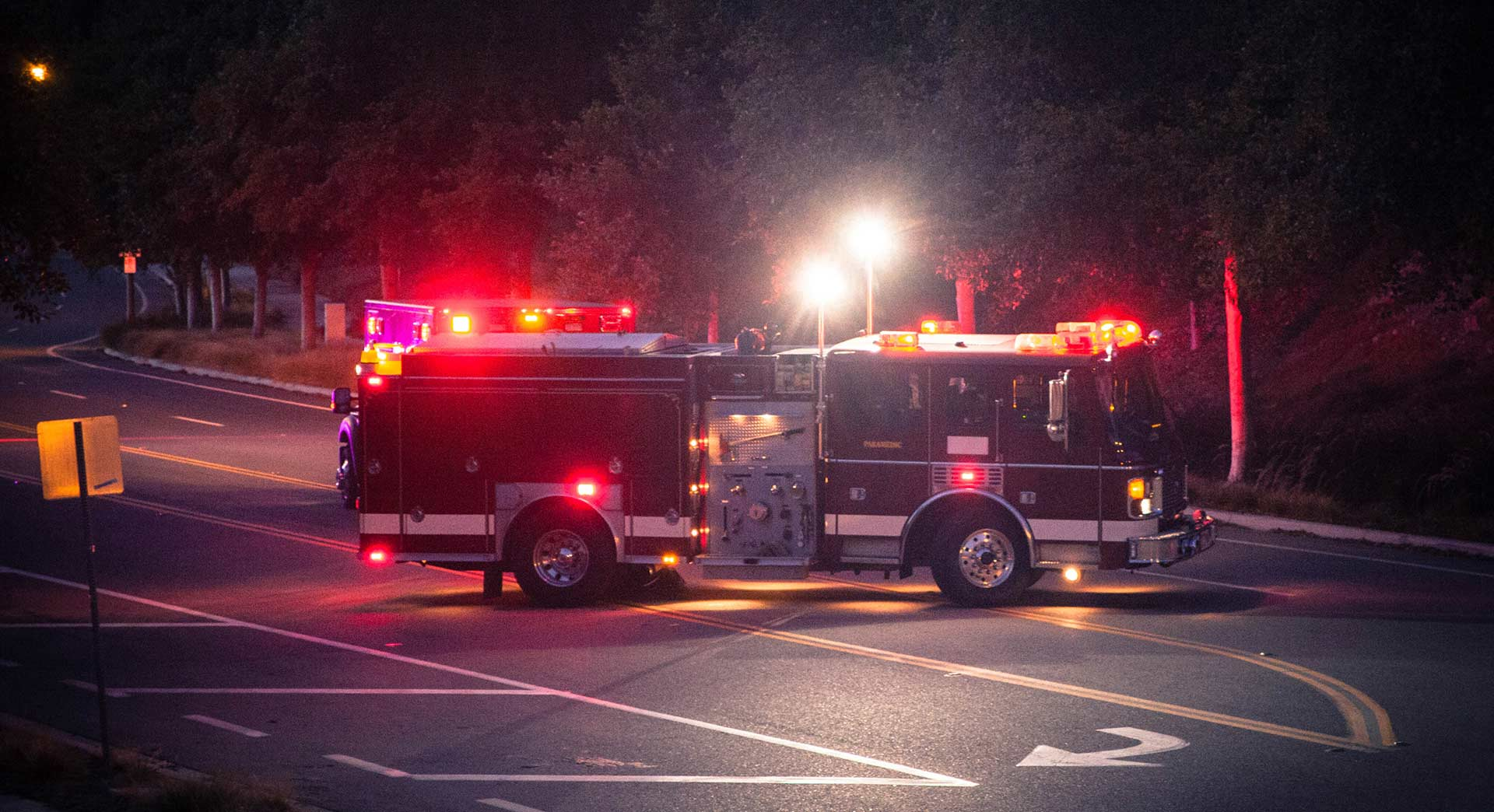 Led Strobe Lights For Trucks >> Choosing Emergency Vehicle Lights | Types Of Fire Truck Lights