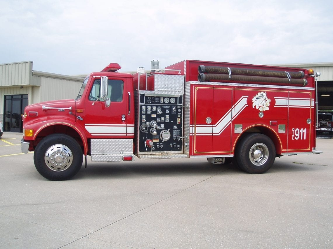 2000 2-door Pierce pumper truck