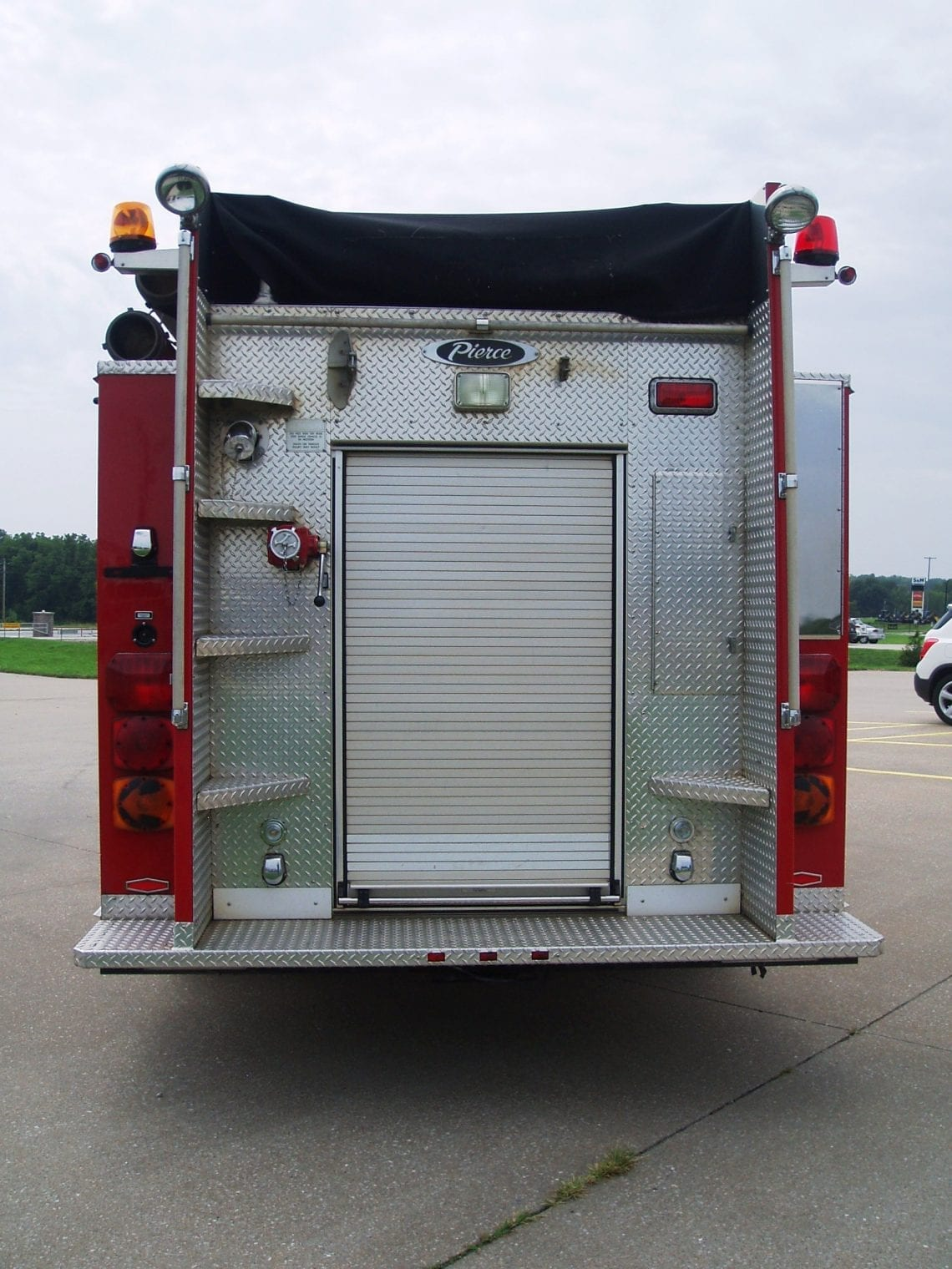 Pierce pumper with back door closed